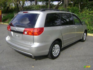 2006 Toyota Sienna **LOW KM ** PRIVATE OWNER ** 8PASSENGER