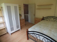 2xx Beautiful Double Rooms Available Now for Rent In Limehouse - Fantastic Location!