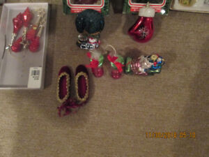 ASSORTMENT Of EXCELLENT CHRISTMAS DECORATIONS FOR SELL.