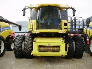 2014 New Holland CR8090 Combine London Ontario image 13