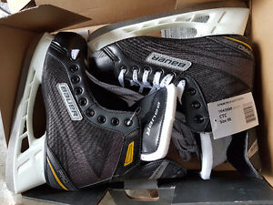 Men's hockey skates never used