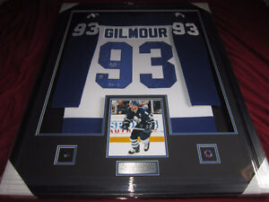 DOUG GILMOUR SIGNED AUTO FRAMED LEAFS JERSEY