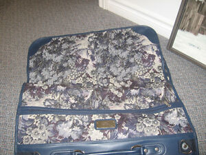 WARDROBE SUITCASE FOR TRAVELLING NEEDLEPOINT PRINT Kingston Kingston Area image 1