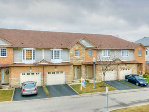 Fully finish Condo townhouse back to ravine,Meadowland Ancaster