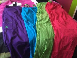 X-large scrub pants 40$ for all 4 pairs !!!!