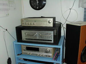MARANTZ RECEIVER WITH SPEAKERS