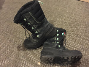 Girls Size 2 Northface Boots