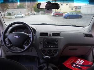 2005 Ford Focus ZX4 SES 4 Door Sedan Sedan Gatineau Ottawa / Gatineau Area image 6