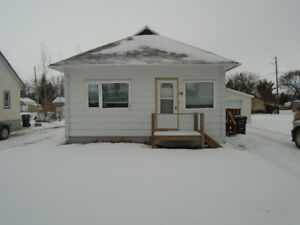 House and workshop for Rent in Dauphin, MB