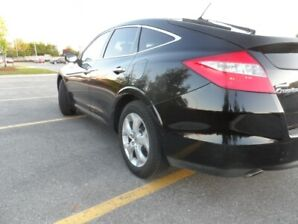 2011 HONDA ACCORD CROSSTOUR, AWD,Excellent Condition & Certified