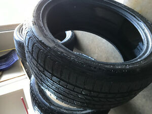 295/40R21 tires new condition
