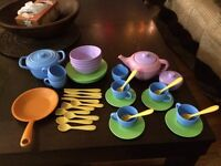 """""""Green Toys"""" play dishes"""