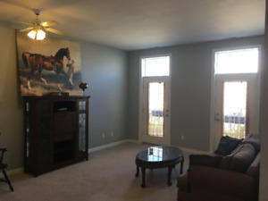 AFFORDABLE CONDO IN FOREST LAWN