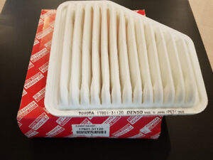 Toyota Engine Air Filter 17801-AD010 or 17801-31120 *** New***