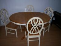 Solid Wood Table with hidden leaf and 4 chairs