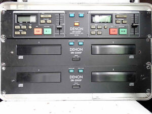 Denon F2200 DJ CD disc 2x2 cd players and master controller