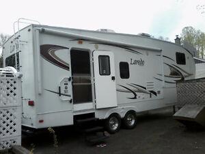 Caravane a sellette Keystone Laredo 2010