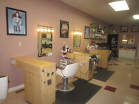 HAIRSTYLIST AND NAIL TECH WANTED---STRATHROY SALON