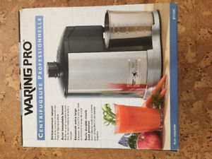 NEW IN BOX Waring Pro Juice Extractor