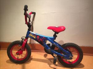 """12"""" Spider-Man bike"""