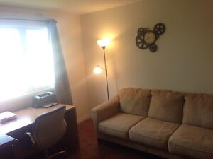 Bright 2 Bedroom Apartment in Secure Building