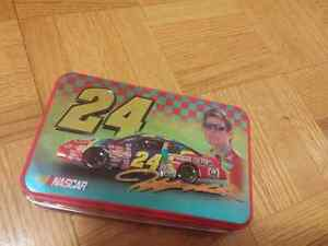 Jeff Gordon NASCAR model car and tin Kitchener / Waterloo Kitchener Area image 5