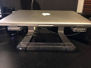 Griffin Elevator Laptop Stand (silver)