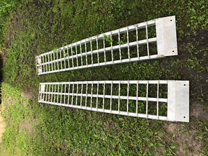 Erickson 3000Lb non-folding arched aluminum quad ramps