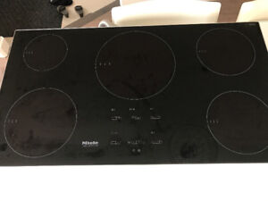 LIKE NEW MIELE INDUCTION STOVE TOP: REDUCED PRICE!