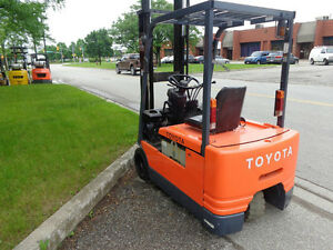 "Toyota Forklift 3Wheeler with side shift 3 stage mast(188"" high)"