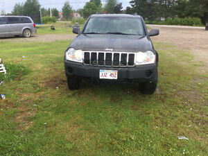 2005 Jeep Grand Cherokee Laedo SUV, Crossover
