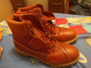 BRAND NEW TIMBERLAND BOOTS 13 US ..BROWN