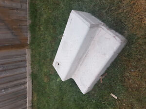 SELLING 2 STEP CONCRETE BLOCK