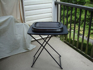 BBQ grille with table