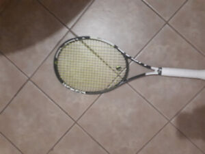 Lot de trois raquettes de tennis , équipement Pro, Head et Yonex