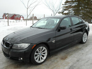 2011 BMW 328i x-Drive  **Only 60432 klms, Heated Steering Wheel*