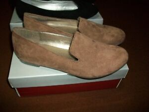 new never worn ladies shoes size 7 1/2,  brown swede feel, soft