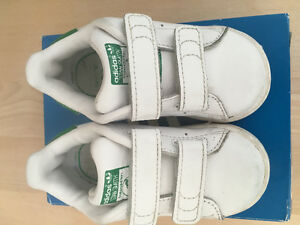 Toddler Stan Smiths with Velcro closures Size 4UK 5US
