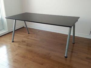 Bureau IKEA Galant, Table de travail, Brun-noir