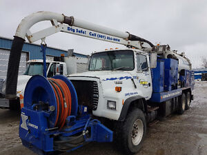 1993 Ford L8000 Tandem with Vaccon Combo Unit