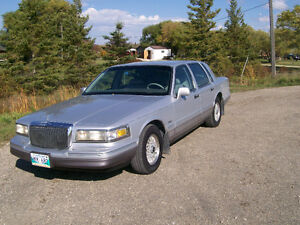 Nanas selling her 95 Lincoln