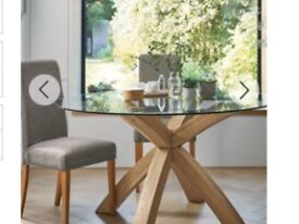 Cargo solid oak and glass dinning table