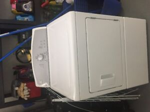 2 Y/O WHITE KENMORE FRONT-LOAD DRYER