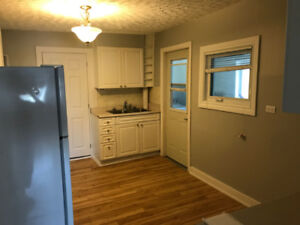 *Newly Renovated* clean & spacious 3 bed, 1 bath in Timmins, On