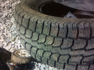 215/70/r16 studded winter Tires for sale