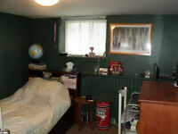 July - Cozy Room - Mid-Toronto Near Subway- Great Area!
