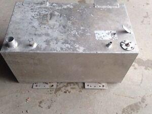 Aluminum boat fuel cell gas tank