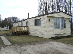 1985 Mobile Home located in Carman, MB