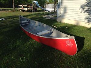 Fibre glass Canoe