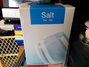 Salt for a water softener for a dishwasher